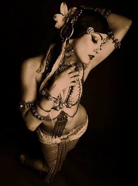 Beautiful! Beats Antique is amazing and she is a FABULOUS dancer. Love her, very enchanting.