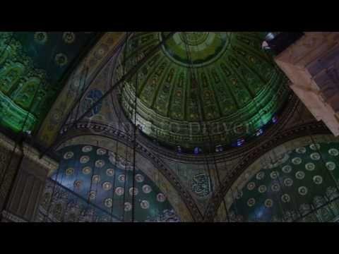▶ Heart Trembling Adhaan (Islamic call to prayer) - YouTube