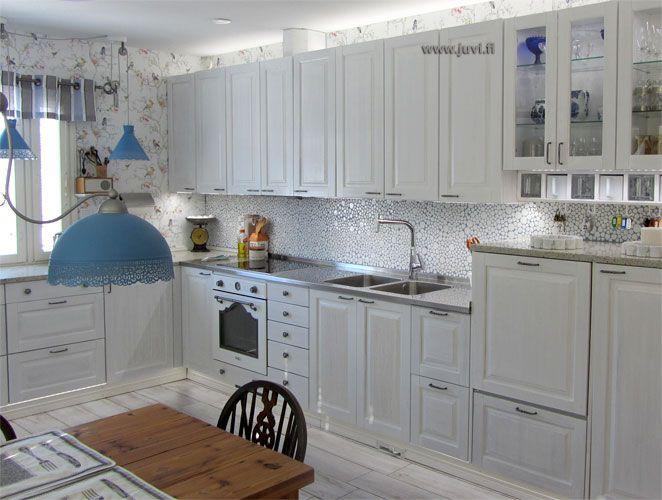 JUVIn täyspuinen keittiö valkoisena. - Solid wood kitchen by JUVI-Production Finland