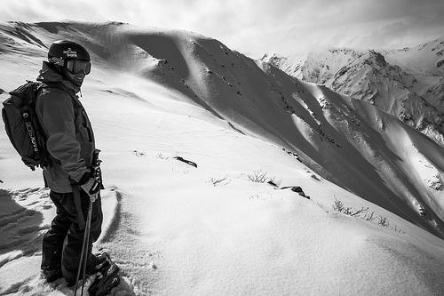 Bryce Phillips skiing Japan