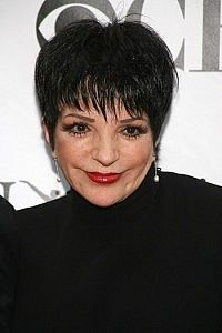 Liza Minnelli-Short Celebrity Hairstyles for Women Over 60