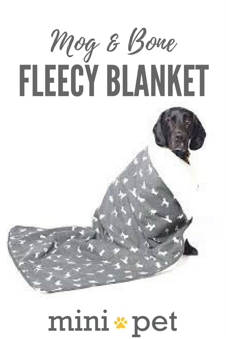 The super snuggler! Your pet may need to fight you for this one! This soft and cuddly blanket has a cosy fleece underside and modern printed cotton on the reverse. Available in a range of colours and styles to coordinate with the rest of the Mog & Bone range.