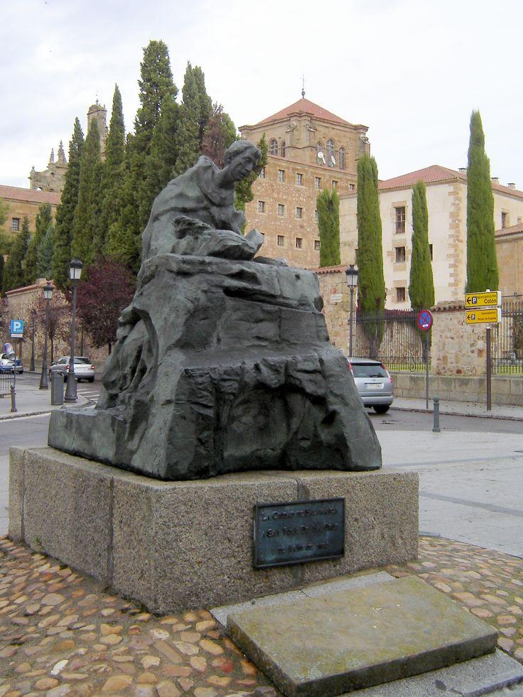 Estatua de San Juan de la Cruz, Salamanca.