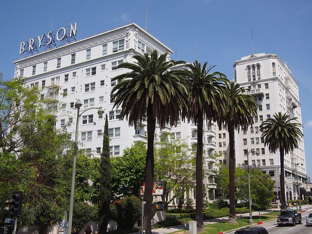 Bryson Apartment Hotel In La On The Right Side Is A Historic