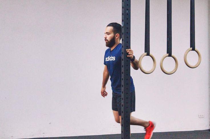 Felipe calentando antes de su entrenamiento favorito: salir a correr