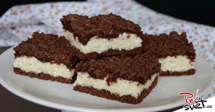 Milujete dezerty, ale nebaví vás trávit dlouhé hodiny v kuchyni? Máme pro vás tip, jak udělat lehký a zároveň moc chutný dezert. Jsou to řezy, které si zamilují jak vaše děti, tak i dospělí. Stačí vám pár minut a tento svěží tvarohový dort máte hotový. Pojďme si tedy říci, jak na to. Ingredience: Na těsto …