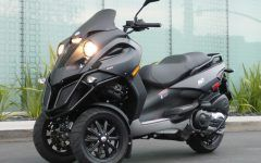 Miraculous 3 Wheel Motorcycle Piaggio