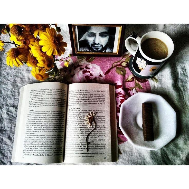 Mutluluk budur.. Kitap;Kutsal kitaplar ve mitolojide Kürdler Yazar; Faysal Dağlı  Okuyun kendinizi geliştirin. Cehalet ile cahil ile savaşmanın tek yolu.. #kutsalkitap #mitologia #mitoloji #kurd #mezopotamya by mevludcankaya