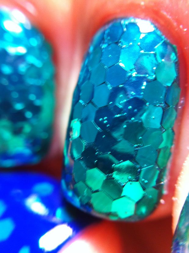 Unhas de Sereia – Glitter Placement por Melissa Menezes