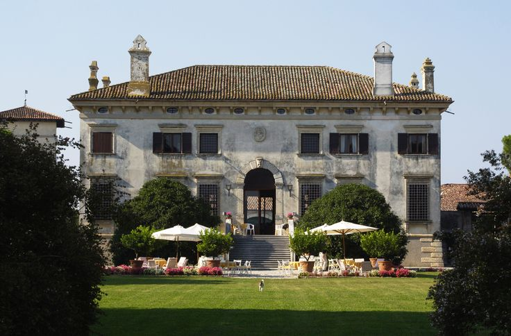 View of the villa from the vineyard