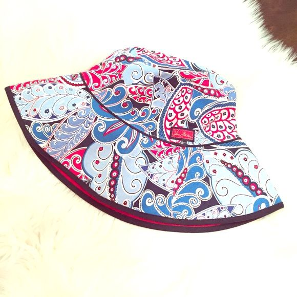 Limited Edition V.Bradley Seaside Sun Crusher Hat YOUR SEASIDE COLLECTION IS NOT COMPLETE WITHOUT THE LIMITED EDITION SUN CRUSHER HAT!  NO LONGER AVAILABLE RETAIL - RETIRED  BUCKET STYLE SUN HAT!  GREAT FOR THE BEACH,  THE GARDEN OR THE GOLF COURSE!  ONE SIZE FITS MOST  GRAB IT NOW & be season ready!   NEW WITHOUT TAGS Vera Bradley Accessories Hats