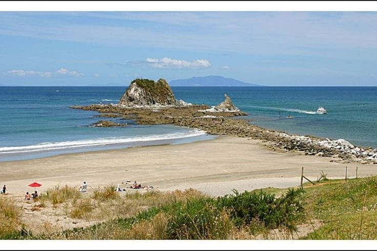 House in Mangawhai Heads, New Zealand. My place is close to many beaches and the estuary for multiple watersports, parks and playgrounds for the kids, golf, bowling, bush walks, restaurants and shops.    A modern, well equipped holiday home providing everything you need for a relaxing ...