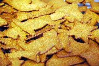 Världens bästa pepparkakor - ta detta recept, minska sockret till 250g och lägg till 5g grovmals svartpeppar.