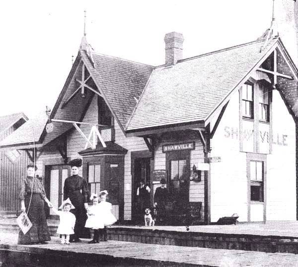 SHAWVILLE, Québec - Pontiac Pacific Junction railway station-gare historic - Gothic Revival Peaked~1840-1880
