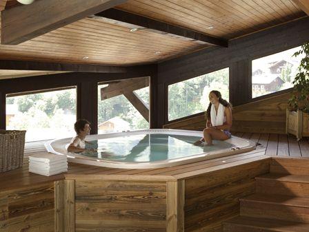 4* Hotel le Petit Dru with Skiweekends.com for ski short breaks to Morzine in the Portes du Soleil