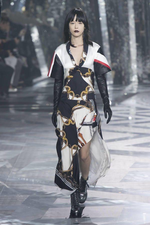 Vestido largo estampado de Louis Vuitton para el invierno 2016-2017