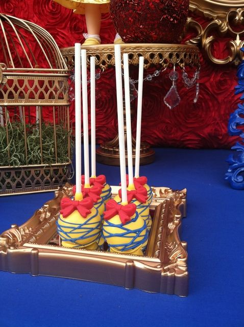 Cake pops at a Snow White Party #snowwhite #party