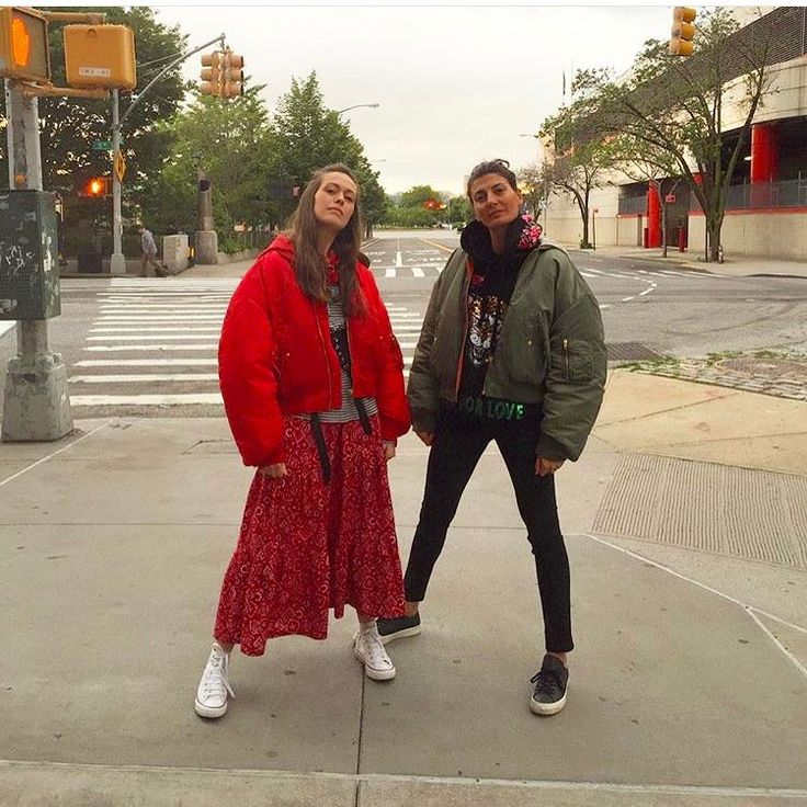 "4,637 Gostos, 23 Comentários - Giovanna Engelbert (@bat_gio) no Instagram: ""Gangs of NY ,Gangs of#Vetements , Back to my other Home, #notTropicalia #BatTaba  @carlottataba 🇺🇸"""