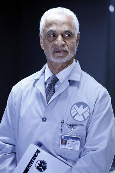 There is a Firefly veteran joining SHIELD's cast! Shepherd Book, AKA Ron Glass, ladies and gentlemen. ahhhhhhhhhhh