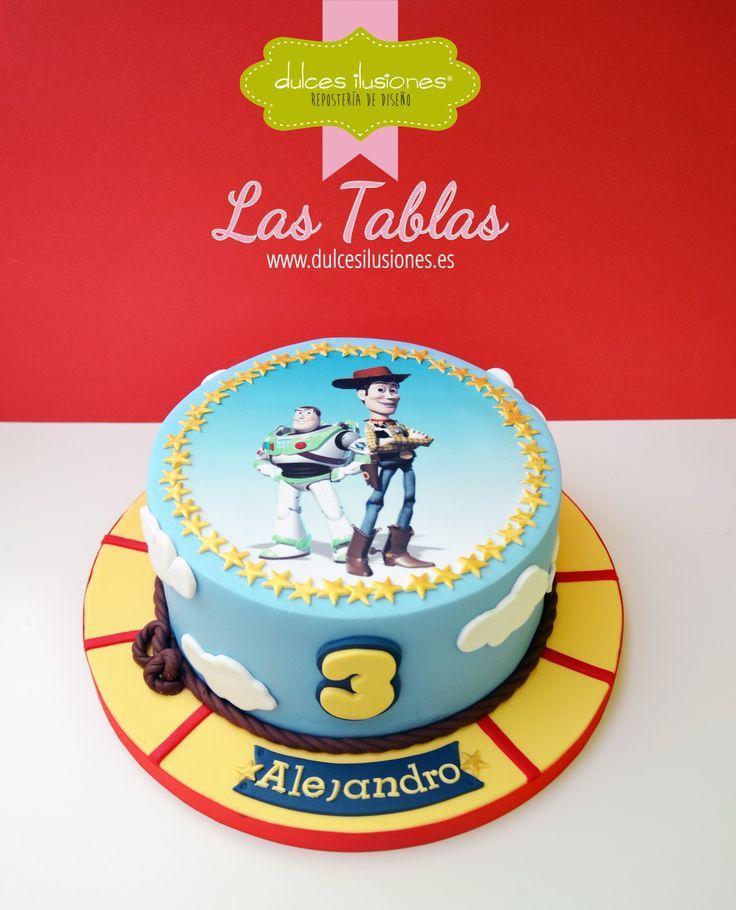 A estas alturas, ¿quién no ha visto Toy Story? Lo que no habréis visto mucho es a su protagonista en una tarta. ¡Hasta el infinito y más allá! http://dulcesilusiones.es/nuestras-tiendas/tienda-las-tablas/