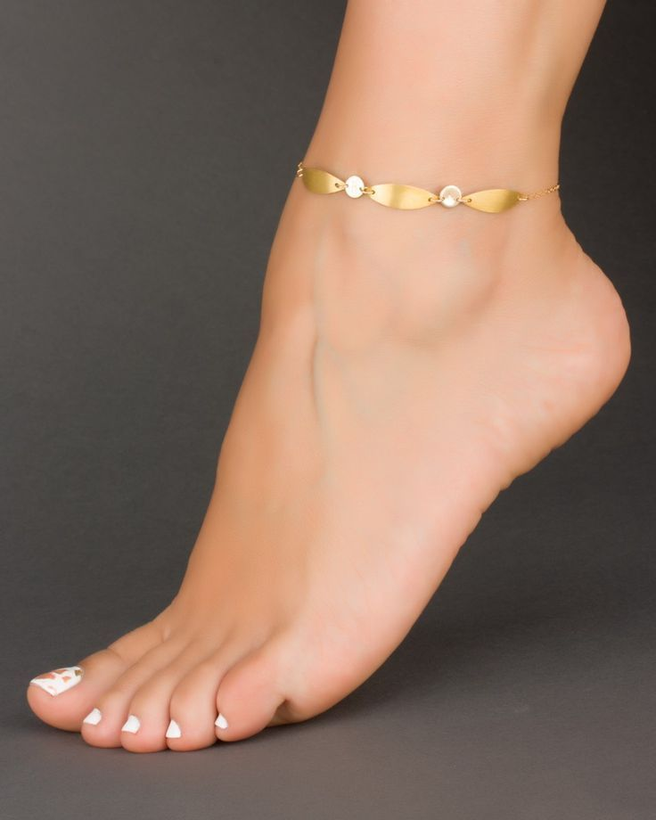Perfect Care Foot Amazing Toes And Nails Just Beautiful Ankle Bracelet The Best Ever On Her Tip Pin