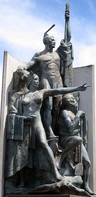 Statue at Wellington Harbour by quillshadow, via Flickr