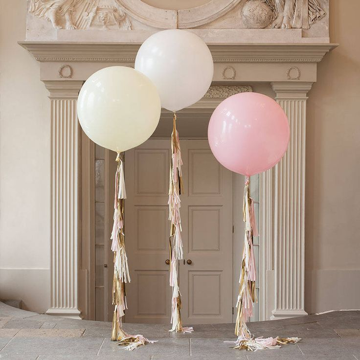 This beautiful giant 3 foot Balloon comes with a handmade tassel tail in soft pink, ivory and gold.Co-ordinating items are available including a bubble confetti filled balloon, a large balloon with a short tassel tail, letter balloons and a garland.A gorg