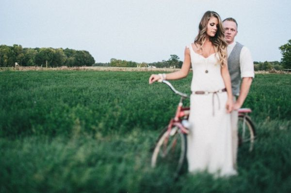 bride and groom - greta blog for handmade weddings- I've been married for 14 years and still in love with the idea of getting married :)