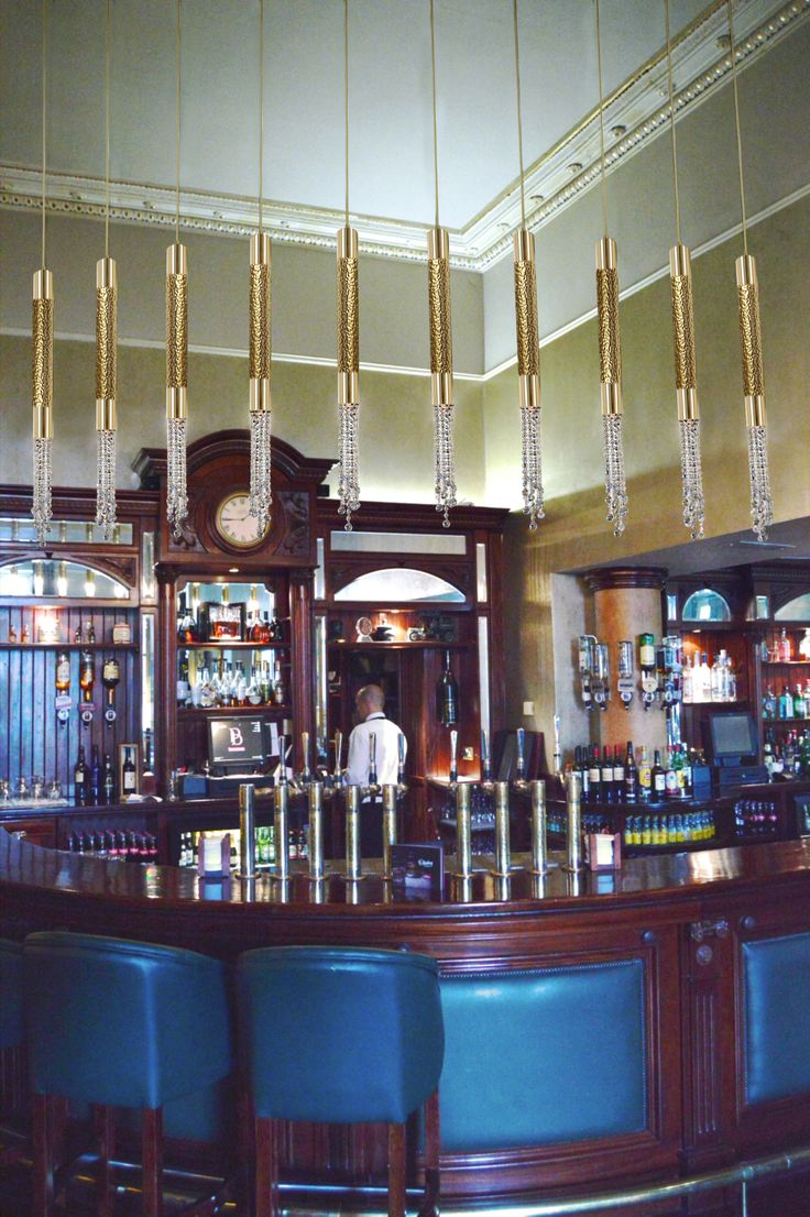 Safi suspensions in a remarkable hotel in Ireland. Discover all inspirations on castrolighting.com