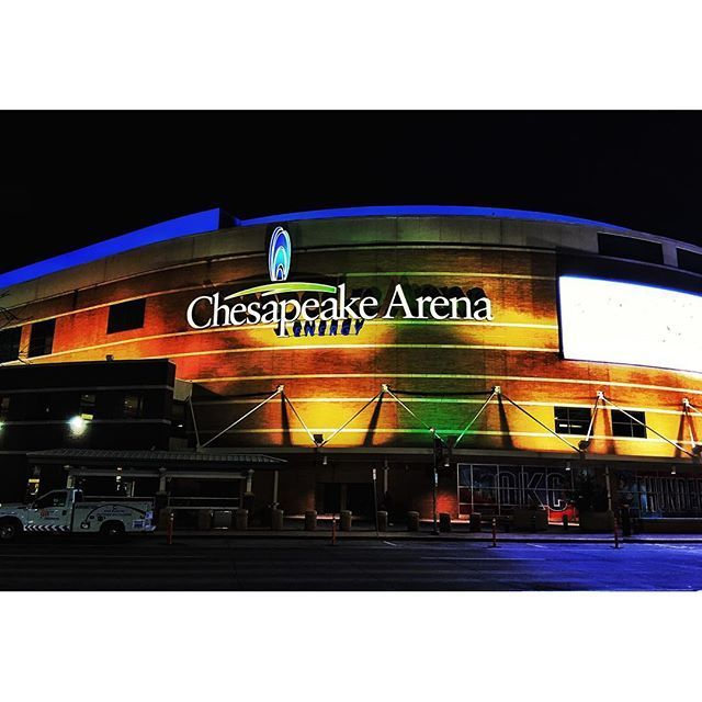 Last pic from Oklahoma for a while.  Chesapeake Energy Arena last night before the game.  #OKC #oklahomacity #okcthunder #oklahomacitythunder #nba #chesapeakearena #sacramentokings #ig_oklahoma #ig_usa #ig_northamerica #northamerica #usa #oklahoma #basket