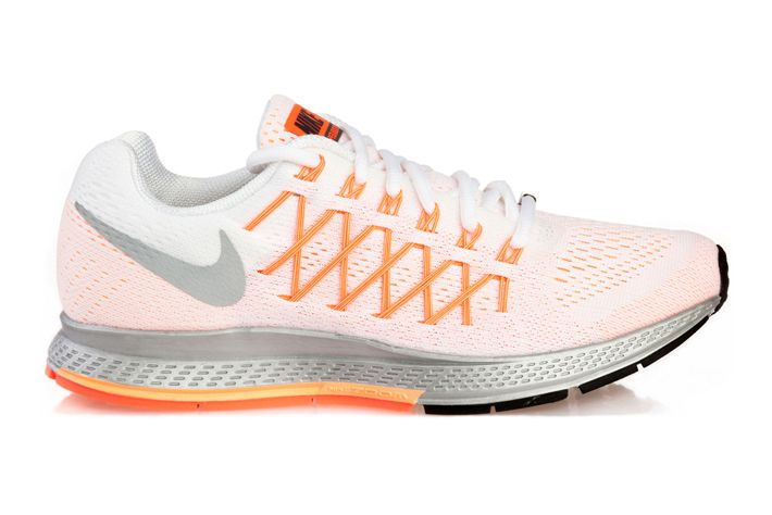#Nike Air Zoom Pegasus 32 NWM - najnowsza odsłona legendarnego buta biegowego. Posiadają innowacyjną poduszkę gazową, która chroni układ kostno‐stawowy i mięśnie.  Zapewnia duże uczucie komfortu podczas treningów. Przeznaczone do biegania na utwardzonych nawierzchniach miejskich oraz leśnych i polnych ścieżkach. #airzoom #jesienzima2015 #treningowe #cushlon #flywire