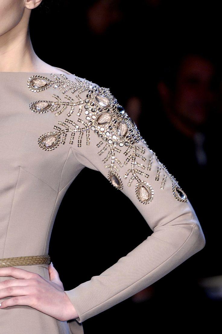 Christian Dior, details.