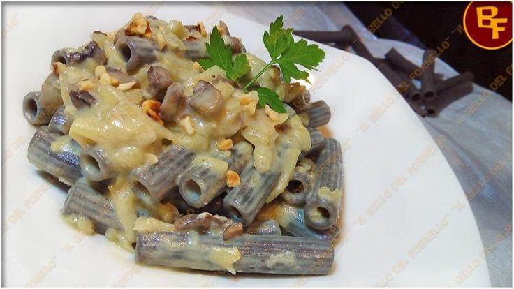 Il Bello del Fornello: Pasta al nero di seppia con funghi e purea di patate