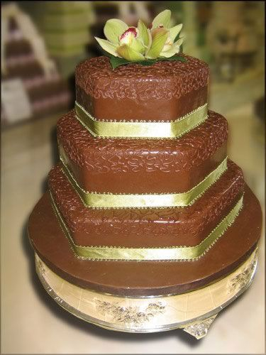 f0e893da1f6e7b3365c44d05804422f6--hexagon-wedding-cake-daffodil-wedding.jpg
