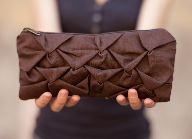 Piccola Ninfea Pouch in chocolate
