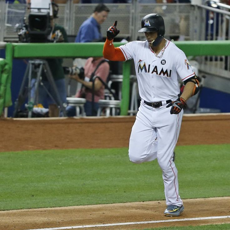 Miami Marlins outfielder Giancarlo Stanton hit his 58th and 59th home runs Thursday against the Atlanta Braves , the most since Sammy Sosa and Barry Bonds in 2001...