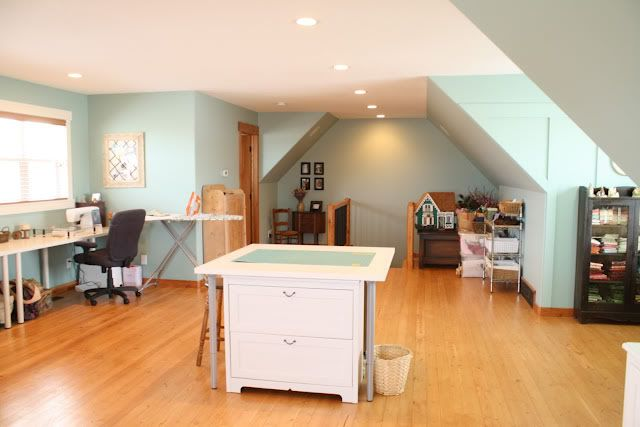 attic craft room ideas 17 best ideas about attic craft rooms on 3394