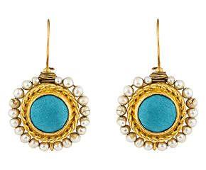 Coppia di orecchini in ottone con perle di fiume e tessuto turchese - 4x3 cm