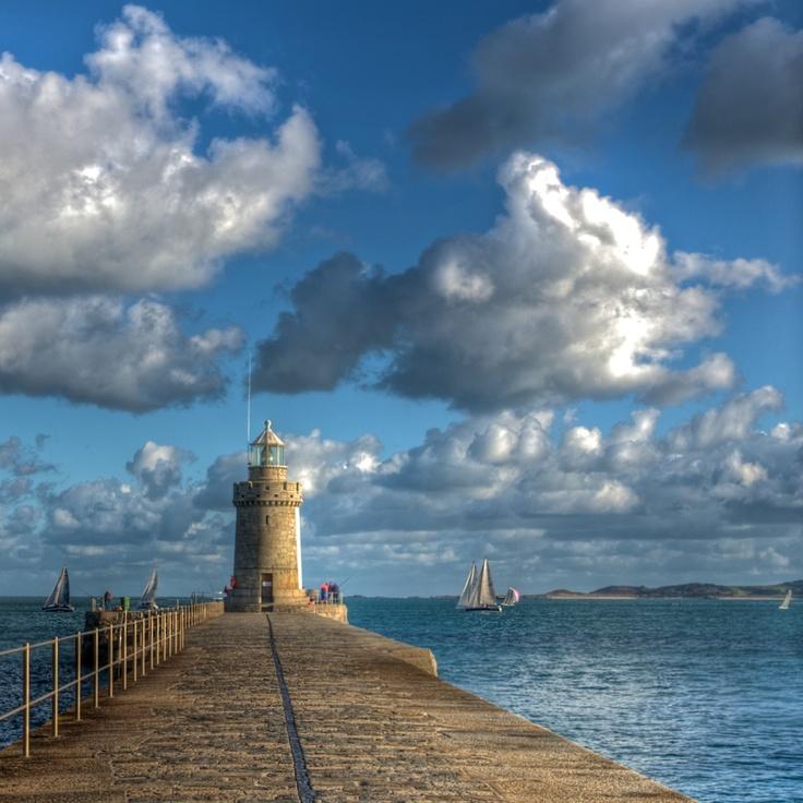 Lighthouse St Peter Port by Peter Palmeri, via 500px