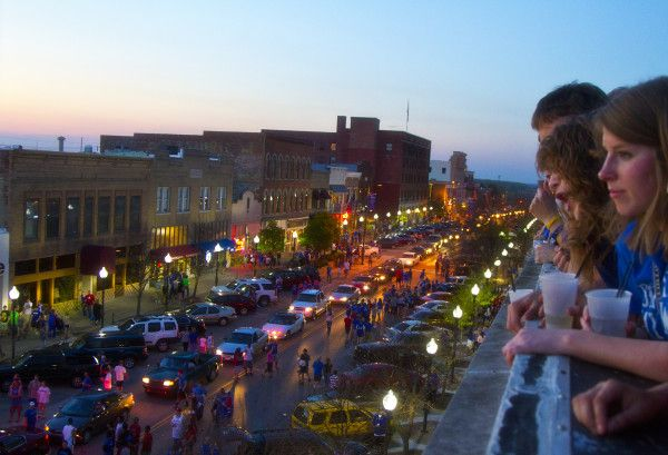 Lawrence, Kansas – The coolest little town you never heard  US