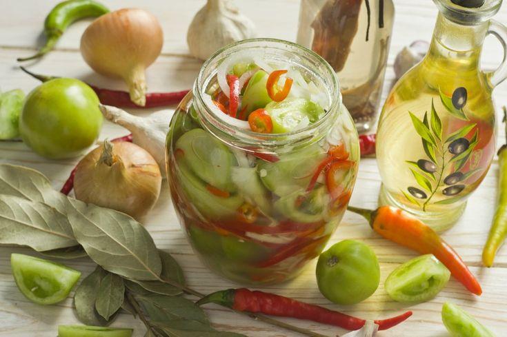 Салат из зелёных помидоров с луком и перцем на зиму. Пошаговый рецепт с фото - Ботаничка.ru