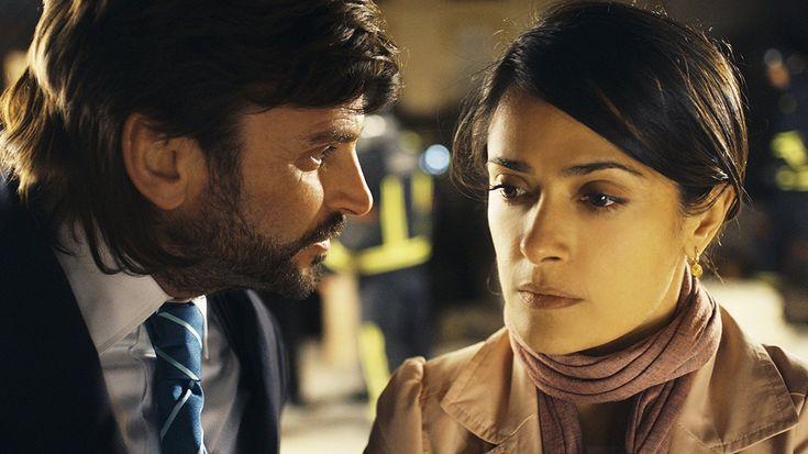 Salma Hayek and Fernando Tejero in La chispa de la vida (2011)
