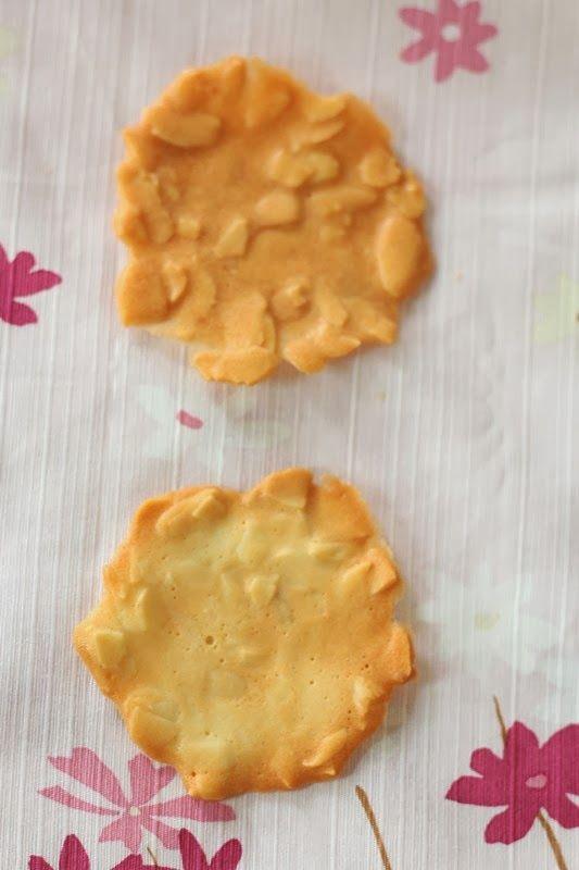 Nasi Lemak Lover: Almond Flakes Crisp 杏仁片脆饼~~欢喜过马年