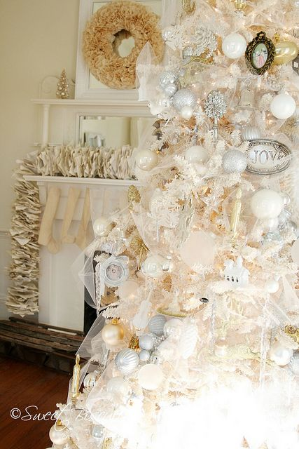 374 best christmas chic images on pinterest cook gardens and home