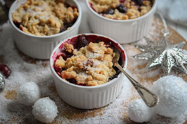Vanilliges Apfel-Waldbeer-Crumble