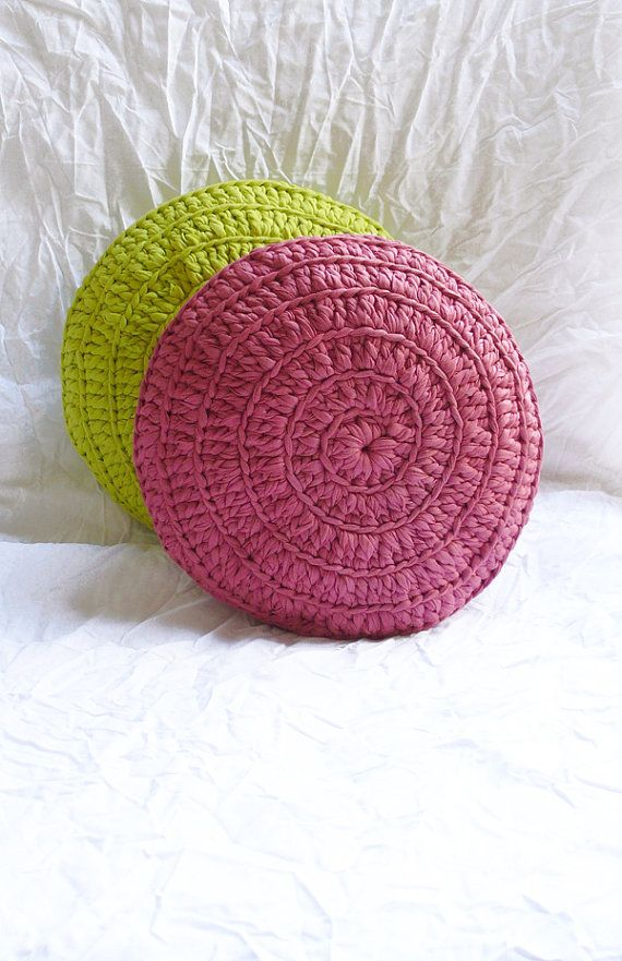 Round Pillow Crochet T Shirt Yarn por gloandmo en Etsy, €24,00