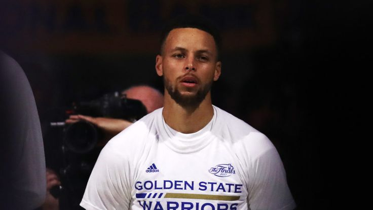 Stephen Curry isn't used to losing—on a basketball court. But this Golden State Warriors point guard recently sold his home in Walnut Creek, CA, at a loss.