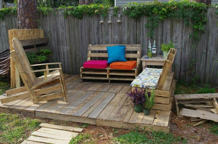 pallet patio oasis pallets pinterest we pallets and patio. Black Bedroom Furniture Sets. Home Design Ideas