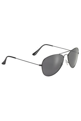 Black Metal Aviator Style Sunglasses