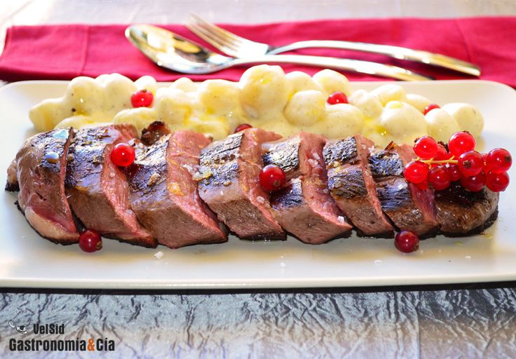 Magret de pato y ñoquis con crema de vainilla | Gastronomía & Cía